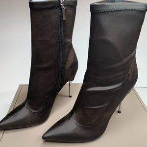 BCBGMAXAZRIA Women's Jolie Satin Stiletto Bootie